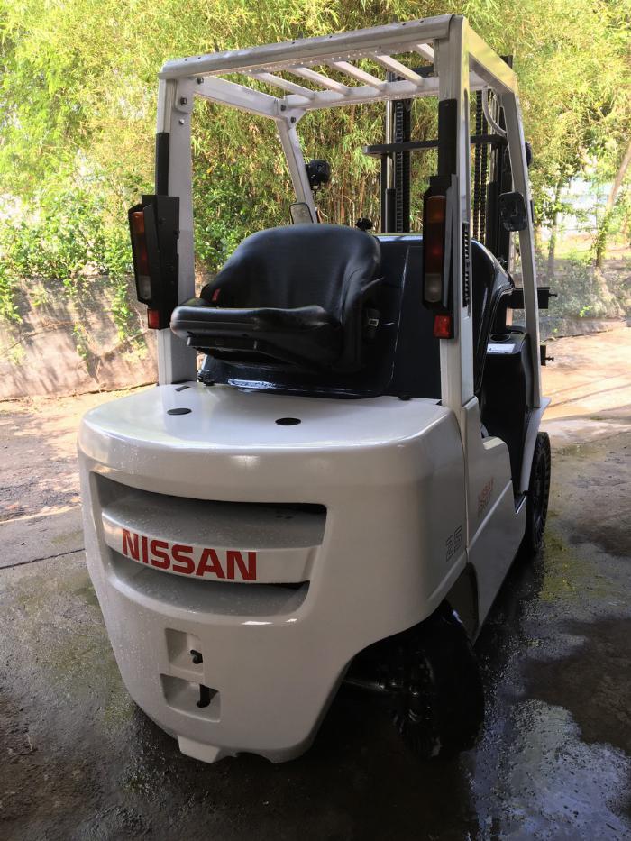Bán xe nâng hàng Nissan 2,5T qua sử dungj 3