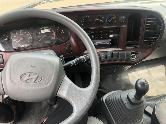 Giá xe tải Hyundai New Mighty 75S thùng mui bạt 3,5 tấn bảo hành 5 năm 3