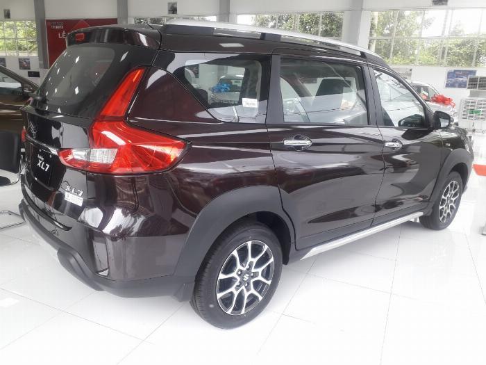 Hình ảnh thân xe Suzuki XL7
