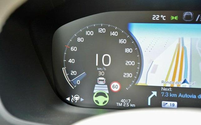 Phụ thuộc quá nhiều vào thiết bị hỗ trợ lái xe điện tử