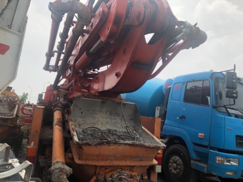 Xe bơm 37m Dongfeng sx năm 17 hàng nội địa Trung Quốc, hỗ trợ ngân hàn