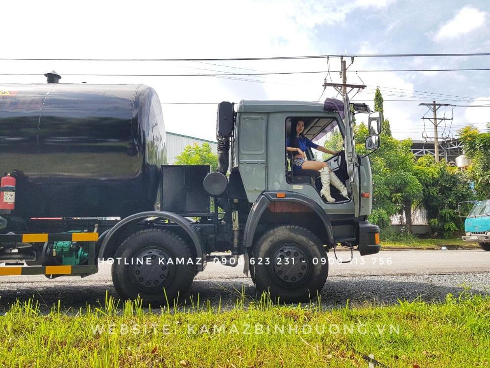 Xe nhựa đường Kamaz 17m3/ Bán xe nhựa đường Kamaz 4 giò nhập khẩu