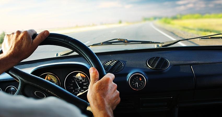 Quan sát thuận tiện hơn với các tình huống vượt xe khi vô lăng đặt lệch về một bên