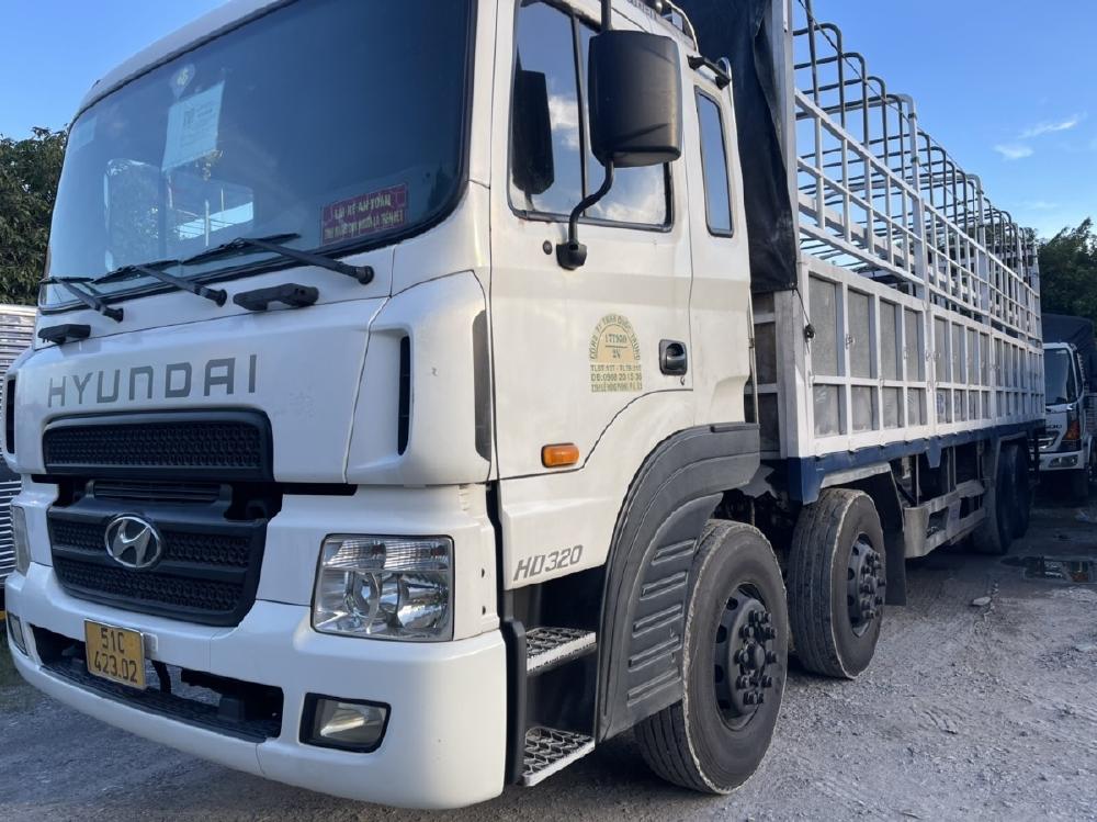 Xe tải 4 chân hyundai hd320 đời 2014 ga cơ xe zin