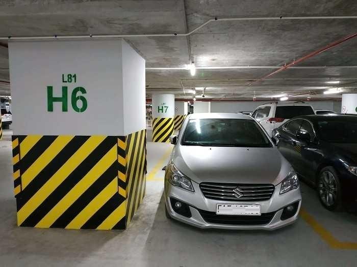 Lý do đỗ ô tô trong hầm, luôn phải quay đầu ra ngoài