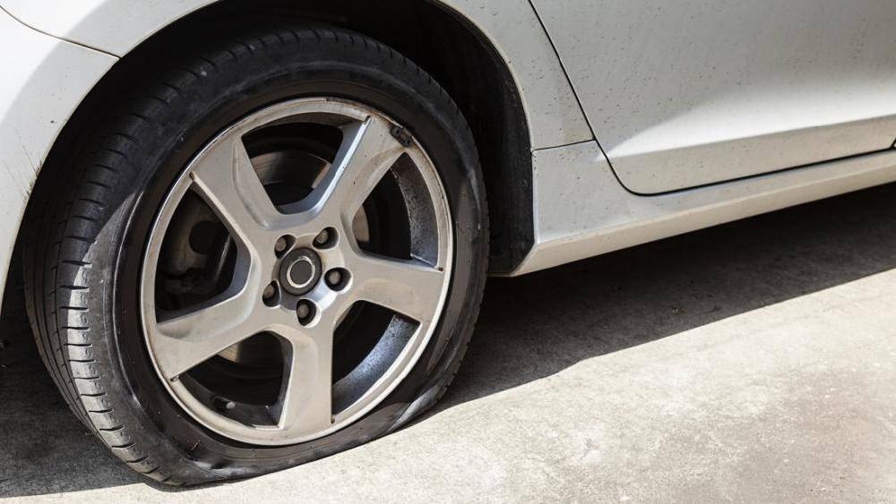 Áp suất lốp quá mềm hay quá cứng cũng khiến hệ thống treo bị ảnh hưởng