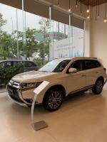 Mitsubishi Outlander sản xuất năm 2019 Số tự động Động cơ Xăng