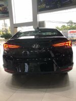 Hyundai Elantra sản xuất năm  Số tay (số sàn) Động cơ Xăng