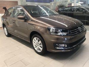 bán chiếc xe 5 chỗ sedan Volkswagen Polo 1.6, máy xăng, số tự động