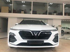 Bán xe Vinfast Lux A2.0 mới 100%, xe có sẵn đủ màu giao ngay, hỗ trợ vay ngân hàng tối đa lãi thấp.