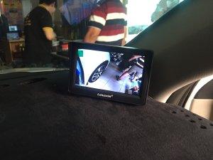 Camera cập lề cho ô tô sản phẩm rẻ nhưng an toàn