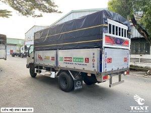 Hino XZU342L thùng bạt, hỗ trợ ngân hàng 80%, xe có sẵn giao ngay