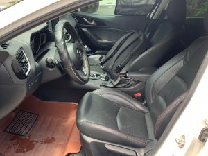 Mazda 3 1.5 AT 2016