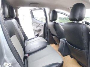 Gia đình tôi bán Mitsubishi Triton 2019, số sàn, máy dầu, màu xám