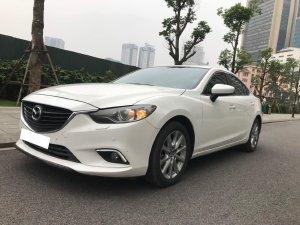 Gia đình cần bán Mazda6, sx 2016, số tự động, bản 2.0, màu trắng còn mới