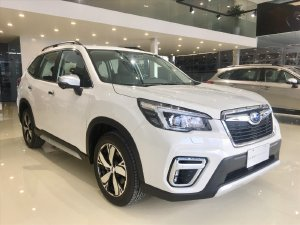 Xe Subaru Forester iS Trắng Sẵn xe giao ngay