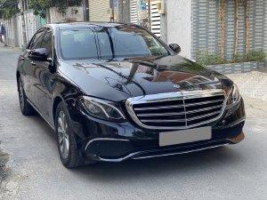 Bán Mercedes E200 màu đen full 2020 chính chủ mua mơi