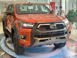 Toyota Hilux 2021 mới tại Toyota An Sương