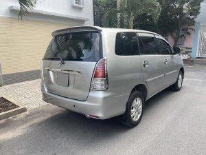 Bán Toyota Innova 2012 số sàn màu Bạc chính chủ