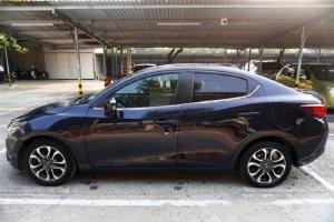Đi nước ngoài cần bán Mazda 2 đời 2018, số tự động, màu xanh đen.