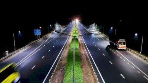 Những điều cần biết khi dừng ô tô ở làn dừng xe khẩn cấp trên đường cao tốc