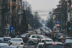 Kinh nghiệm lái xe ô tô an toàn trong khu dân cư