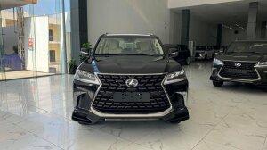 Bán Lexus LX570 MBS 4 chỗ đẳng cấp doanh nhân, màu đen nội thất kem, sản xuất 2021, xe có tại salon giao ngay.