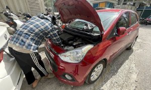 Cách tháo bình ắc-quy ô tô để bảo quản khi giãn cách xã hội