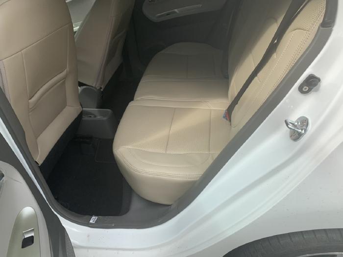 Bán Kia Morning Si 1.25MT màu trắng số sàn sản xuất 2018 mẫu 2019 mới nhất đi 500km 0