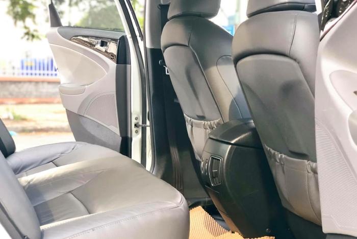 Bán xe Hyundai Sonata sx 2011 màu trắng cực đẹp, xe cũ nhưng đi kỹ giữ gìn 8