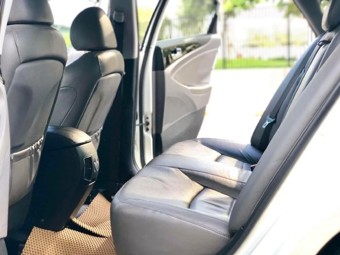 Bán xe Hyundai Sonata sx 2011 màu trắng cực đẹp, xe cũ nhưng đi kỹ giữ gìn 10