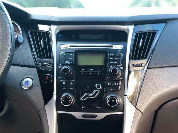Bán xe Hyundai Sonata sx 2011 màu trắng cực đẹp, xe cũ nhưng đi kỹ giữ gìn 12