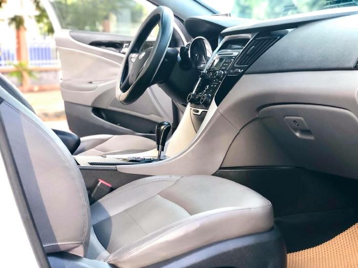 Bán xe Hyundai Sonata sx 2011 màu trắng cực đẹp, xe cũ nhưng đi kỹ giữ gìn 7