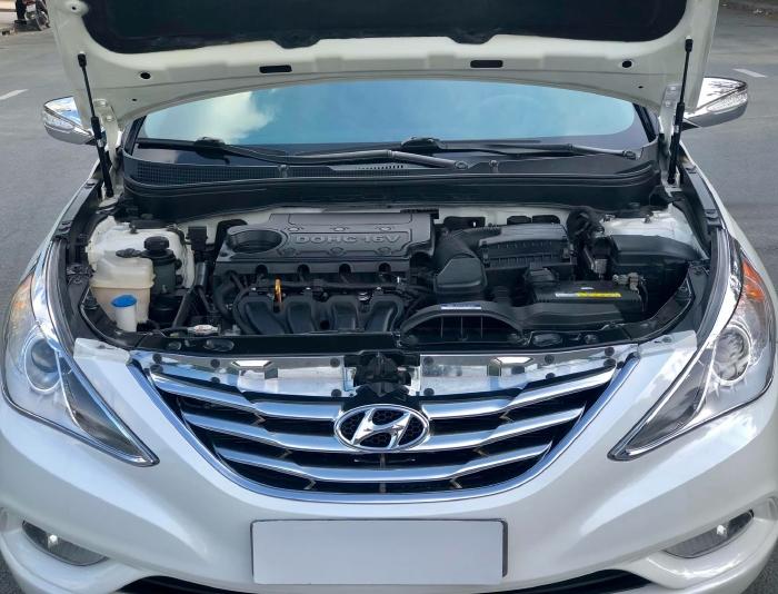 Bán xe Hyundai Sonata sx 2011 màu trắng cực đẹp, xe cũ nhưng đi kỹ giữ gìn 14