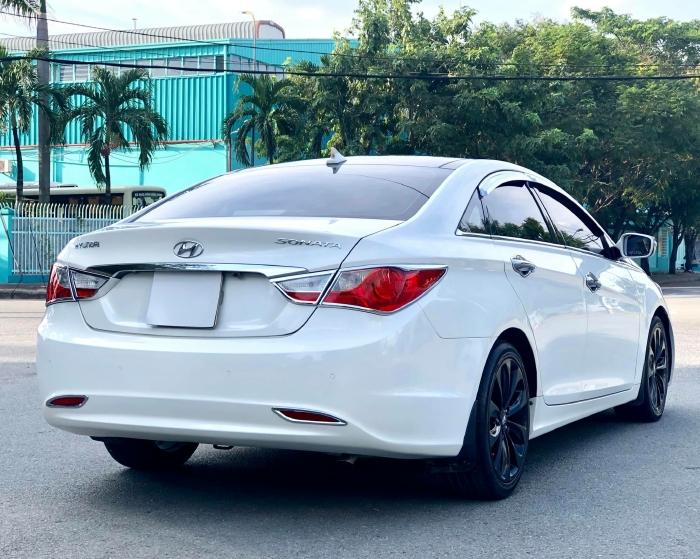Bán xe Hyundai Sonata sx 2011 màu trắng cực đẹp, xe cũ nhưng đi kỹ giữ gìn 18