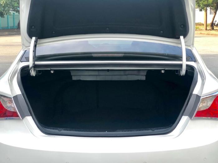 Bán xe Hyundai Sonata sx 2011 màu trắng cực đẹp, xe cũ nhưng đi kỹ giữ gìn 21