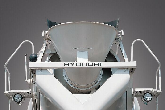 Xe Hyundai Bồn trộn bê tông 5