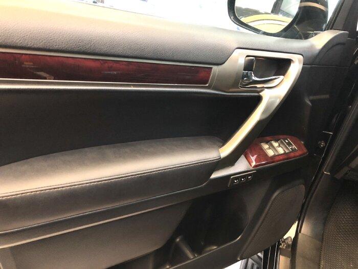 Lexus GX 460 2012 màu đen nội thất đen 8