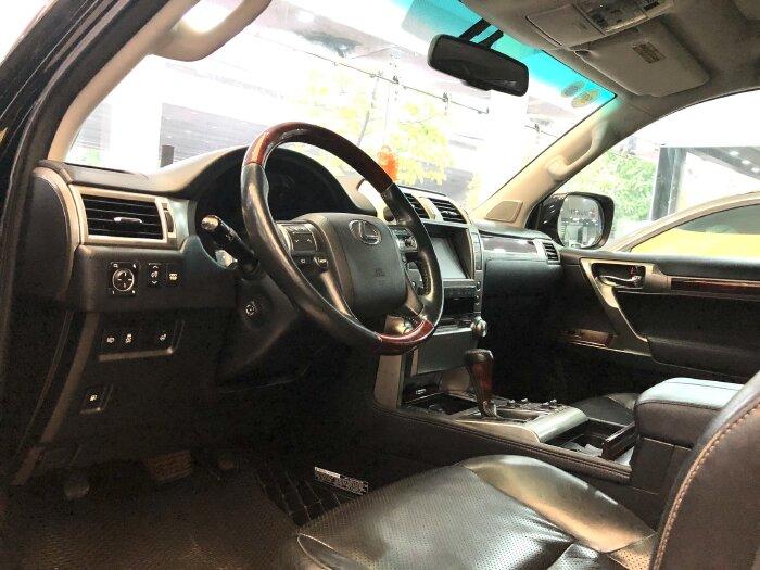 Lexus GX 460 2012 màu đen nội thất đen 12