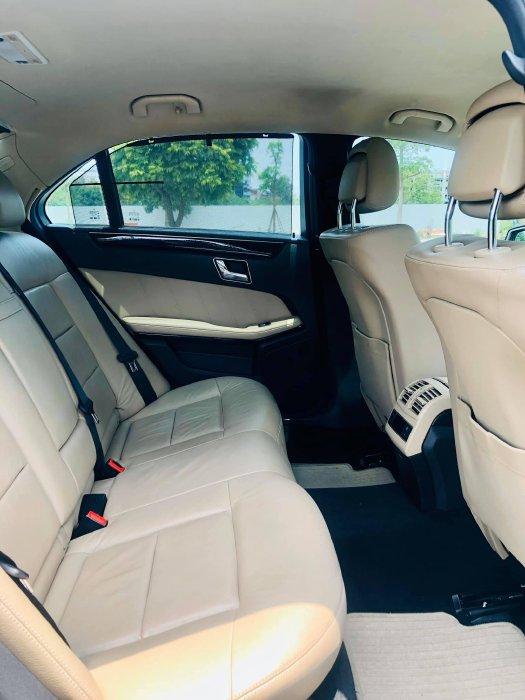 Nhà mình cần bán Mercedes E250 2010 CGI, số tự động, màu nâu
