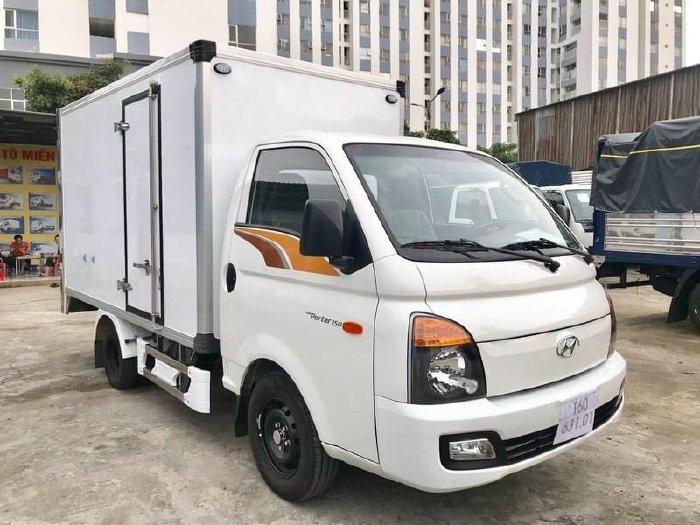 Hyundai Porter H150 Tải Trọng 1.5 tấn Thùng Composite