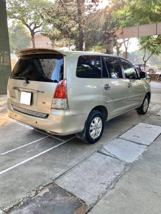 Gia đình cần bán Innova 2009 V, tự động, màu vàng cát, còn đẹp mới, xe nhà đi rất giữ kỷ