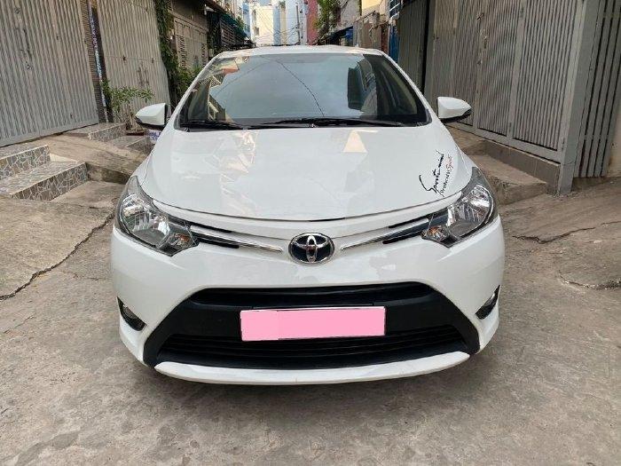 Toyota Vios 2018 số sàn, màu Trắng.