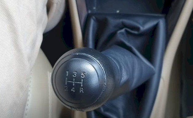 Ý nghĩa ký hiệu trên cần số ô tô số sàn