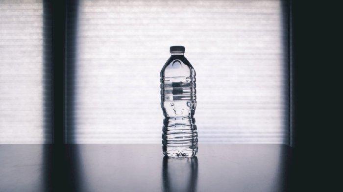Mang đủ nước uống