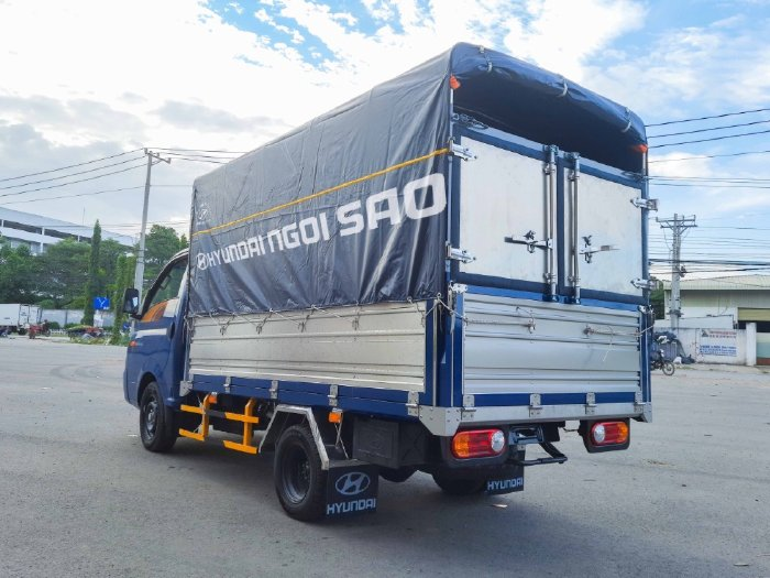 Xe tải 1.5 tấn Hyundai New Porter H150 Thùng Bạt