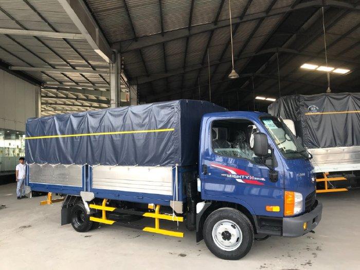 Xe tải Hyundai N250 SL thùng mui bạt, tải 2.5 tấn