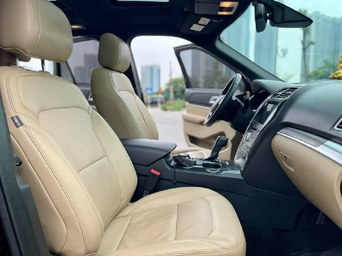 bán Ford Explorer 2017, số tự động, bản Full option, nhập Mỹ, màu đen