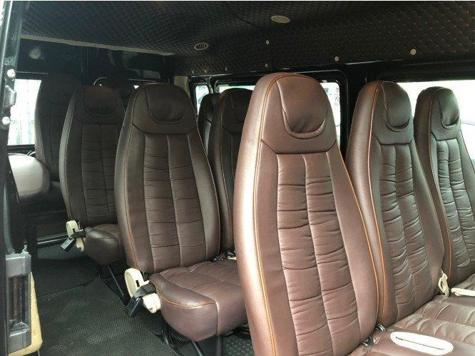 Cần bán xe Ford Transit 2019, số sàn, máy dầu, màu đen