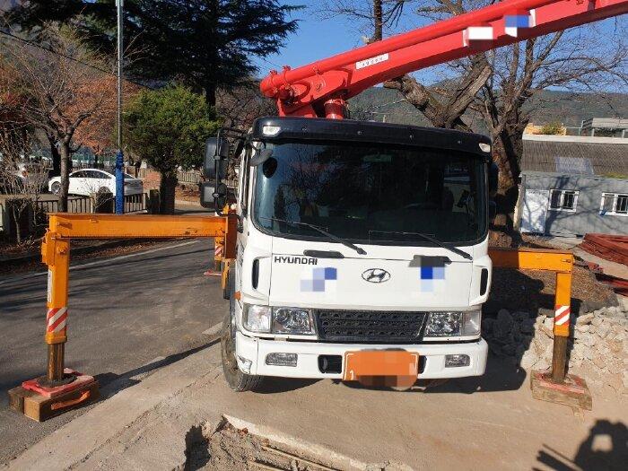 Bơm bê tông KCP30 , 2019 từ Hàn Giao hàng từ 30-35 ngày